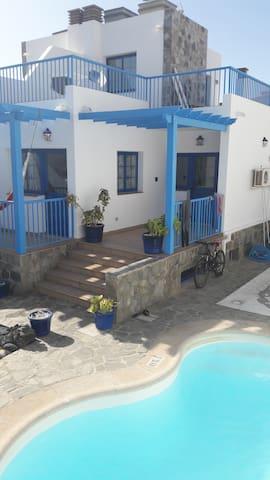Wave House Corralejo - Rocky Point shared room 3 - Corralejo - Hostel