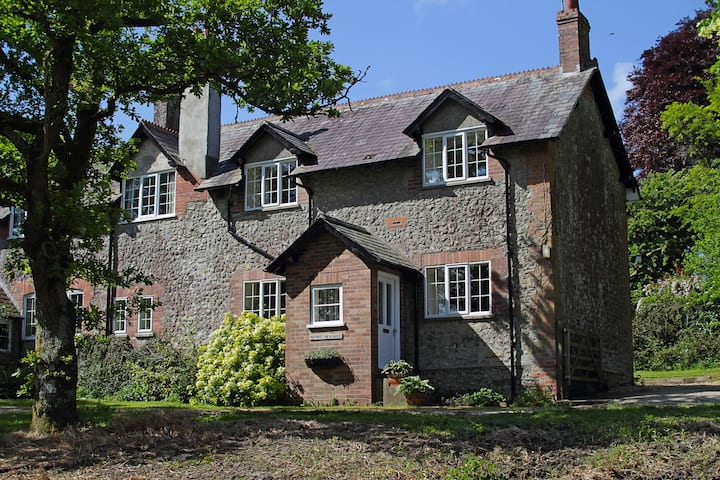 Family Holiday Home Old Coach House in Dorset