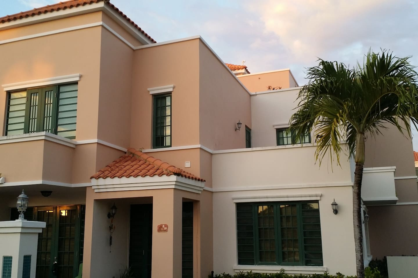 2 Story Villa featuring 2 br 2.5 bath room