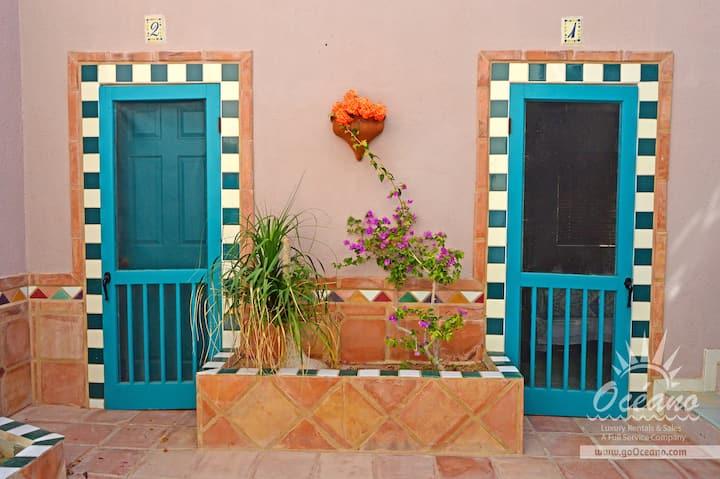 Hacienda del Mar - Courtyard 2