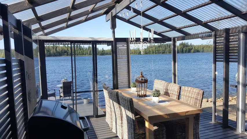 Unique lakeside house with amazing view
