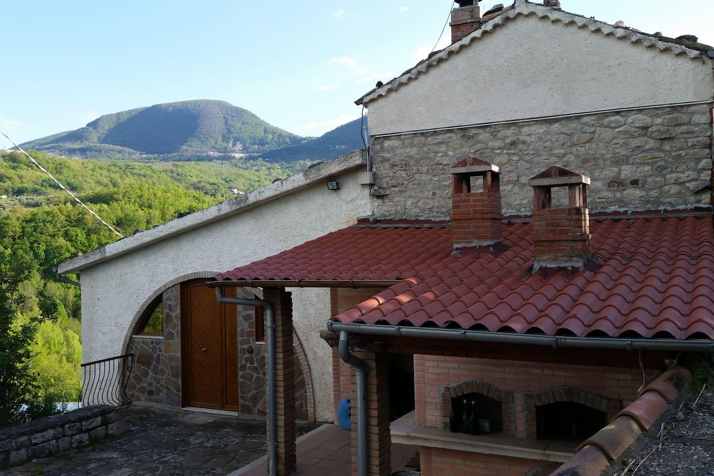 facciata anteriore con ingresso