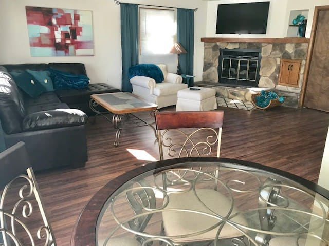 Spacious Appleton 2 Bdrm with all the amenities