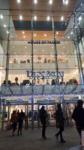 Xmas time at Dumdrum shopping centre