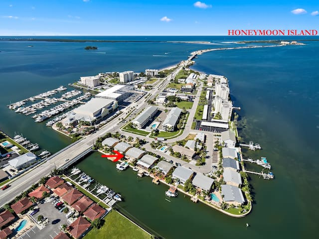 THE DOCKSIDE VILLAS UNIT A WITH FREE BEACH PASS