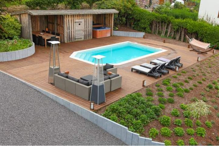"Villa ""Grand Coo"" **** pool and jacuzzi 7p + 1baby"