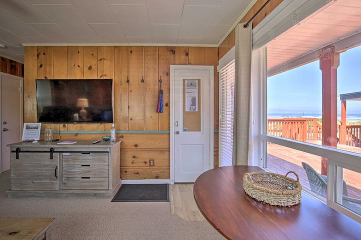 NEW! Oceanview Rockaway Beach Condo w/Deck & Grill
