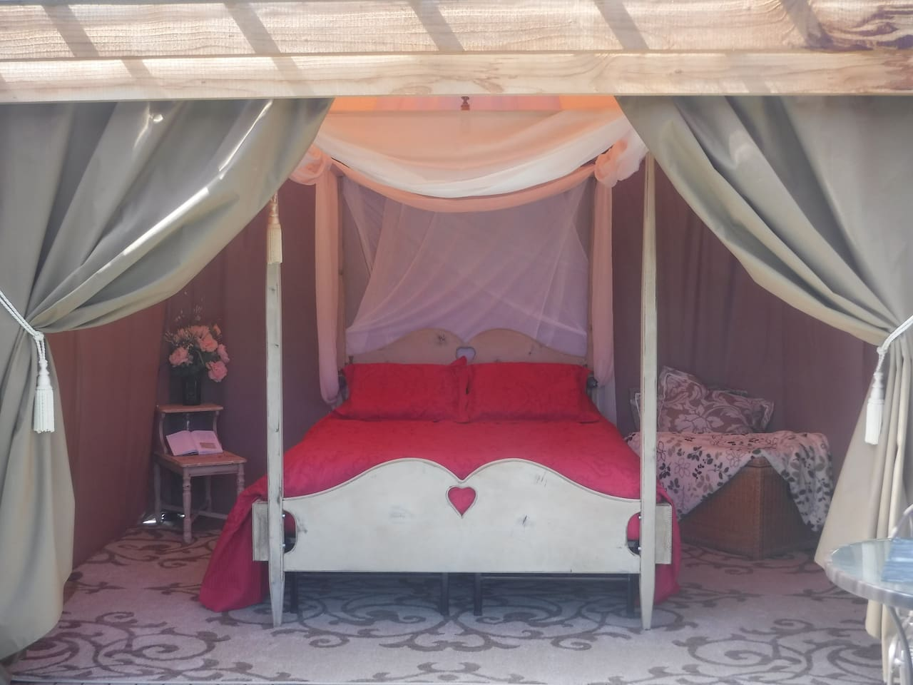 Always looking to improve your glamping experience, we have upgraded the bed and added new linens and pillows for  the new season.