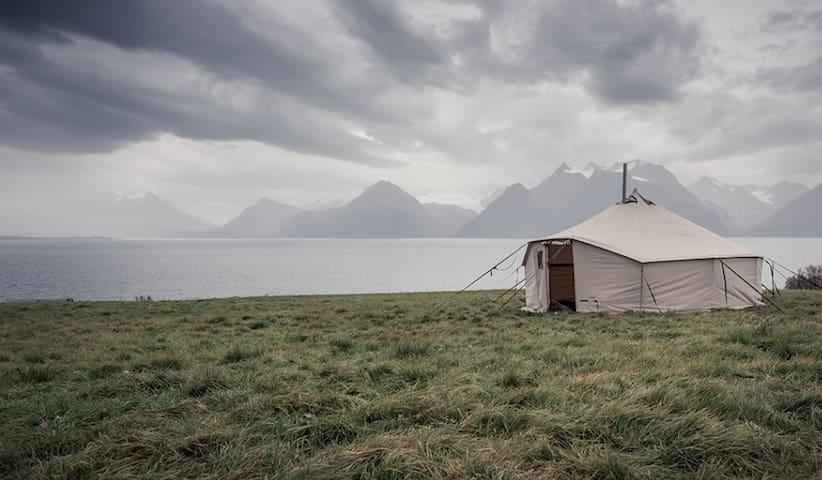 Siløya basecamp - naturopplevelser og havfiske - Nordland - Tent