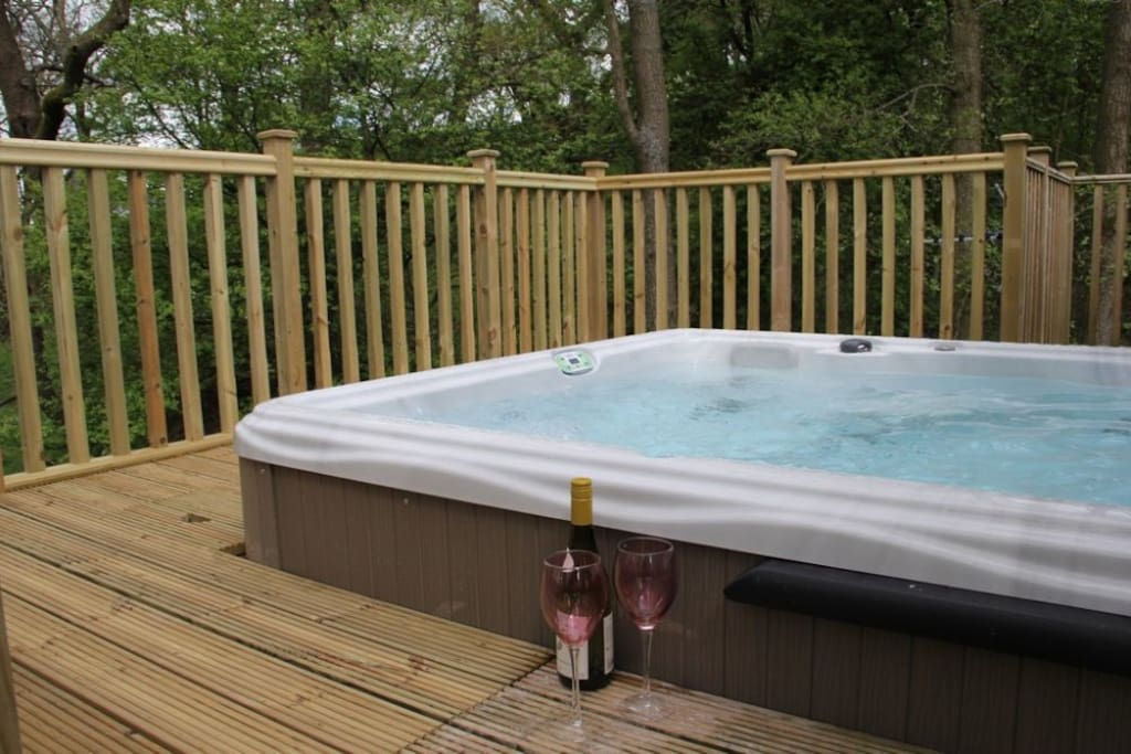 Hillside Park, Pooley Bridge, Ullswater, HOT TUB, Lakes Cottage Holidays