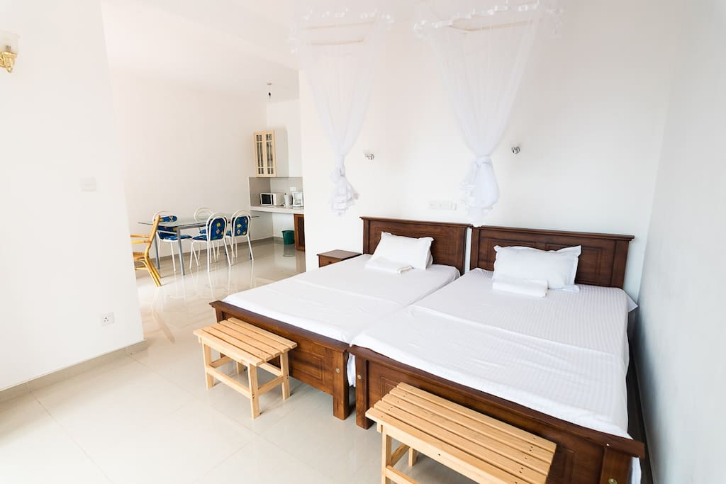 air-conditioned apartments #1 with 2 twin beds
