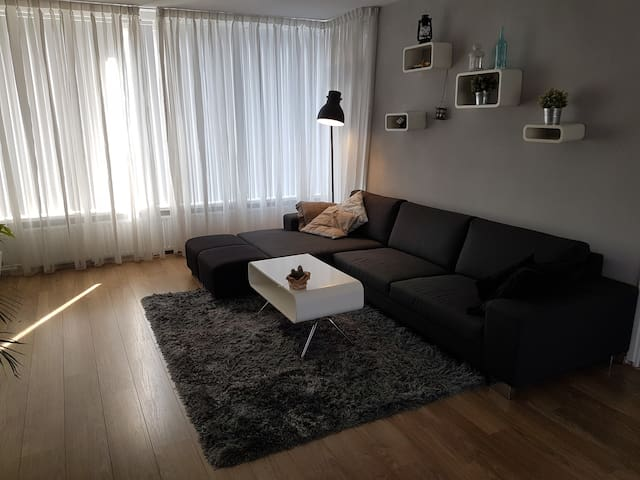 Private luxurious apartment close to Rotterdam - Vlaardingen - Apartament