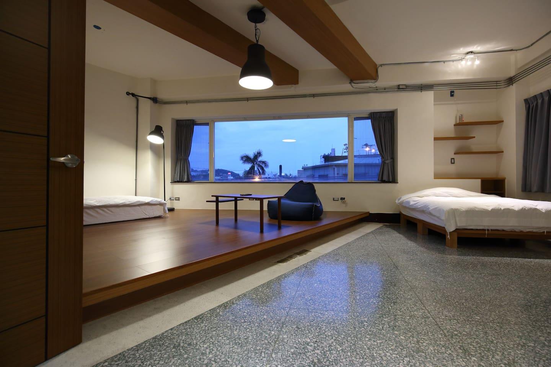 超大房間,搭配大型窗戶, 可以看到文創園區街景 及 美崙山