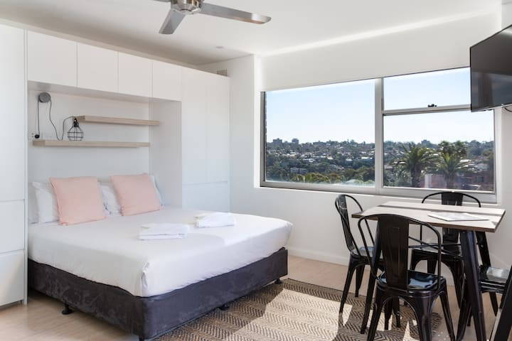 Luxe Mosman Studio near Harbour & Public Transport