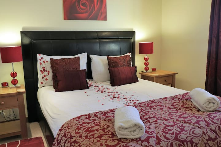 WESTSLATE, 4 Star  Innertown Apartments, Stromness
