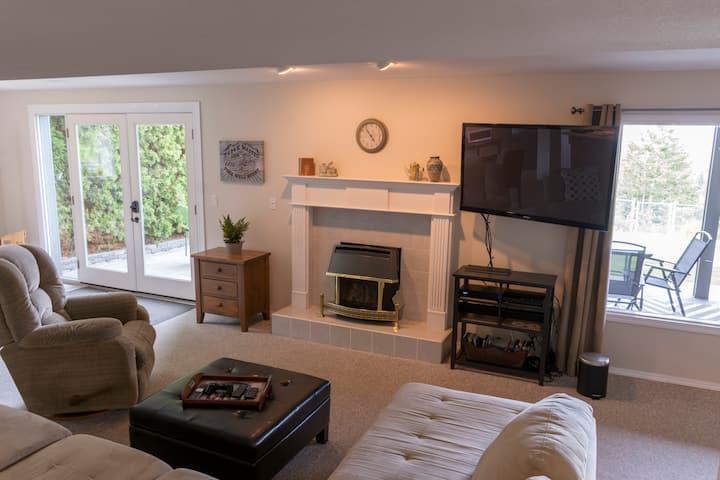 King Guest Suite - Patio - Terrific Views