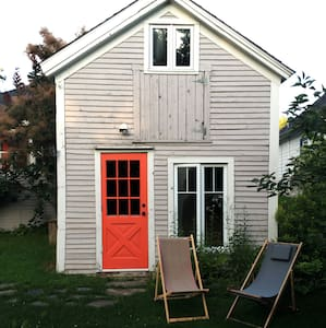 Tiny House in the heart of the village