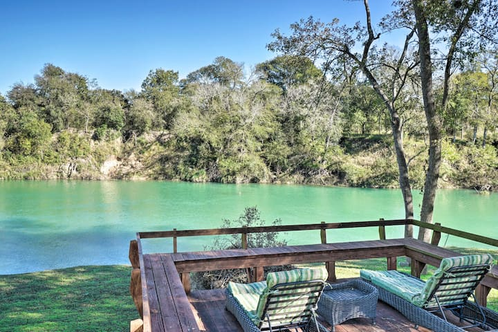 NEW! San Marcos River Home w/Grill & 4 Decks!