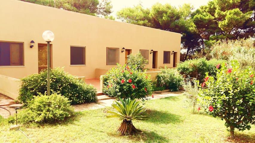 egadi casa vacanze cala rossa - Favignana - House