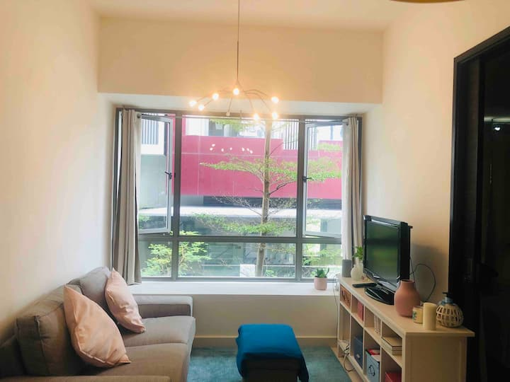 Gorgeous one bedroom apartment in central area