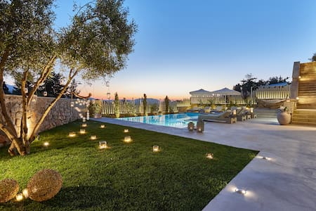 Villa Rouga-Luxury with pool n spa - Xirosterni - Villa