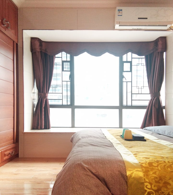 市中心顺盈时代广场傍优信中心豪华装修大床套间公寓
