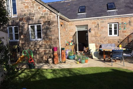 The Stables: a lovely granite 4 bed family home