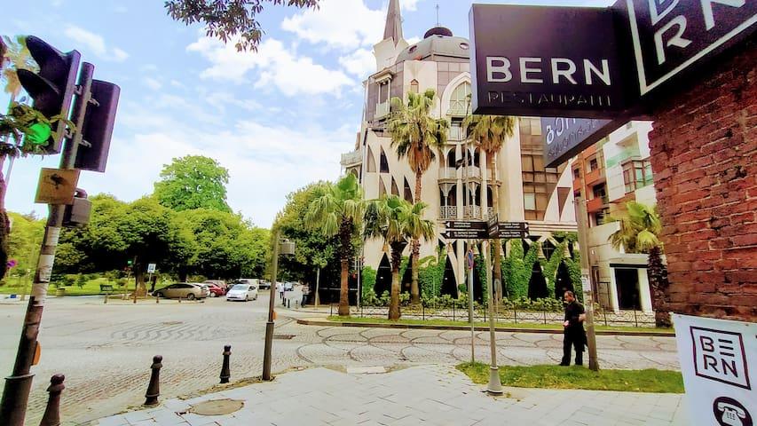 Новые апартаманты в самом центре Батуми