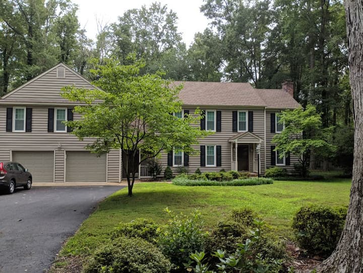 Private In-Law Suite on Gorgeous Wooded Lot