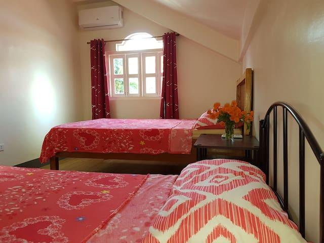 OMG Guest house Overhanging room for 3