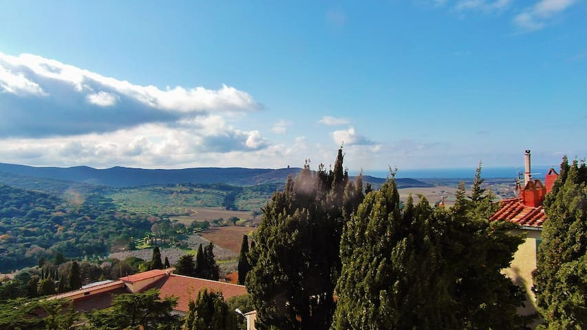 Studio with marvelous view - Castagneto Carducci - Apartamento