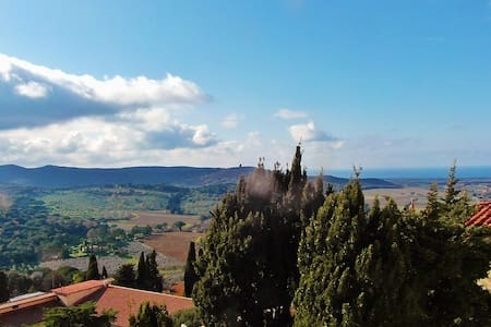 Studio with marvelous view - Castagneto Carducci