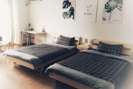 (11)佳士客附近简约舒适双床房