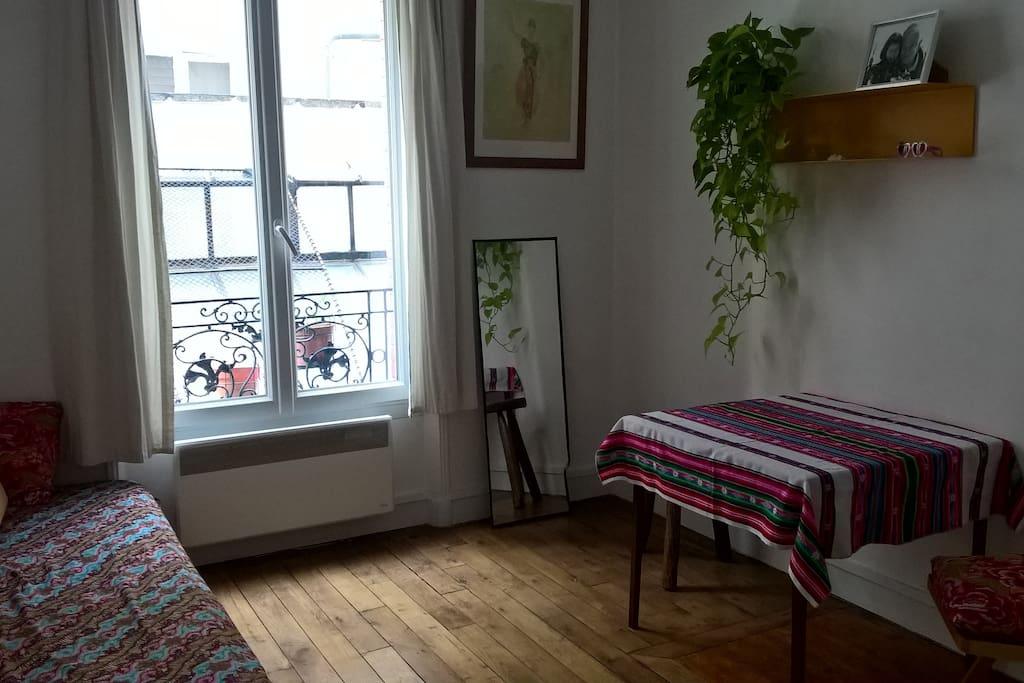 Séjour (canapé-lit sur la gauche)