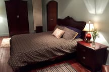 Bedroom 1 (super king bed)