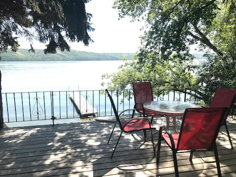 Lakefront cottage, Pasqua Lake, Qu'Appelle Valley