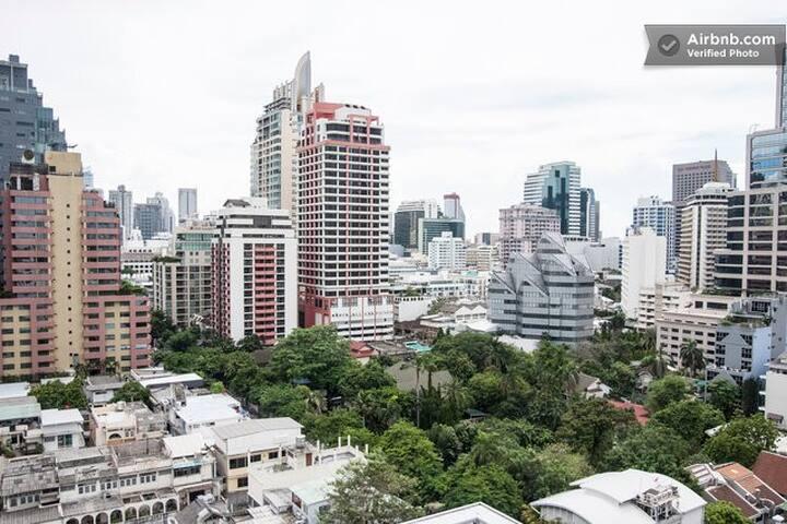 Generous space and great views over Silom&Sathorn! - Bangkok - Apartment