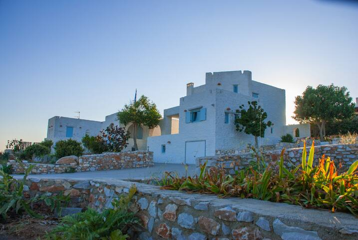 Stone house with superb view to Antiparos