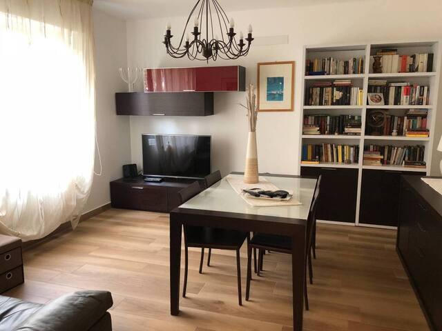 Appartamento nuovo in centro e vicino al mare