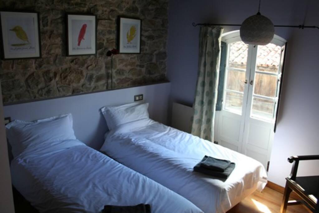 Back en-suite bedroom