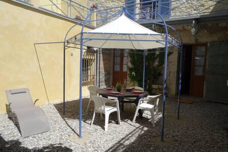 Appartement sur la Place de Castellane - Castellane - Departamento
