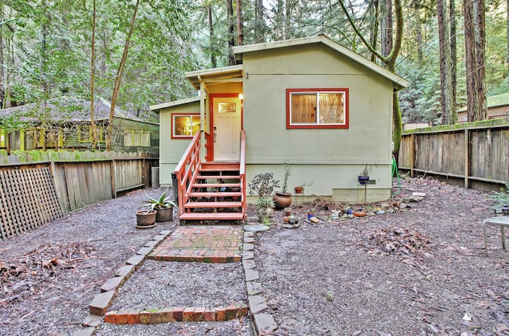 Quiet Cottage w/ Redwood Forest Views & Fire Pit!