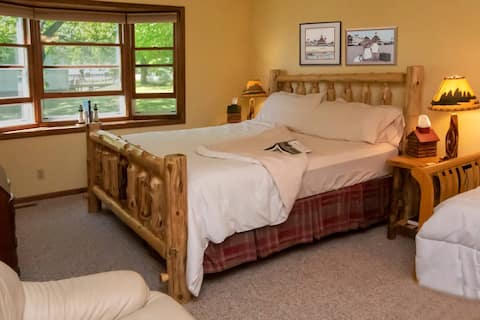 Back Woods Suite at Leech Lake Resort B&B