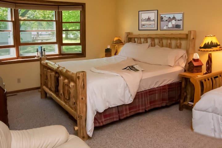 Back Woods Suite at Leech Lake Resort B&B