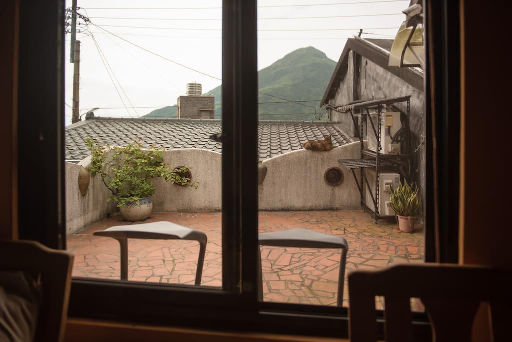 Own balcony 自己的小陽台