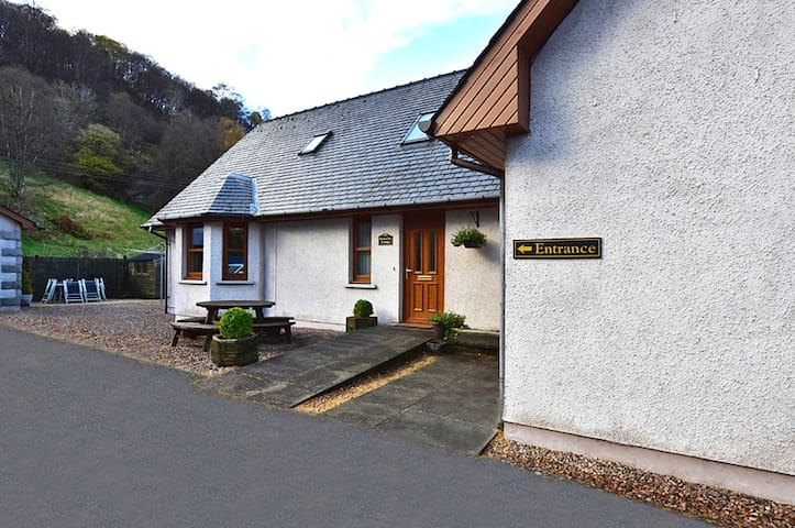 Modern 3 bedroom house in Fort William centre