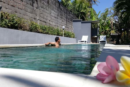 Private room in Sanur with Pool plunge