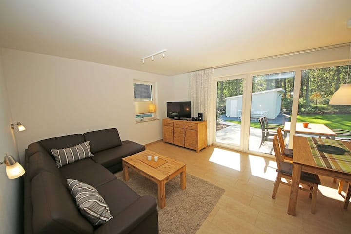 A: Ferienhaus Igelbau mit 2 komfortablen Ferienwohnungen, Ferienhaus Igelbau Whg. 01 mit Terrasse