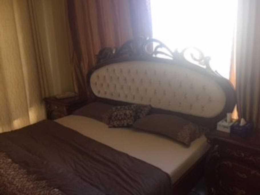 You sleep like a king in a deluxe king size bed