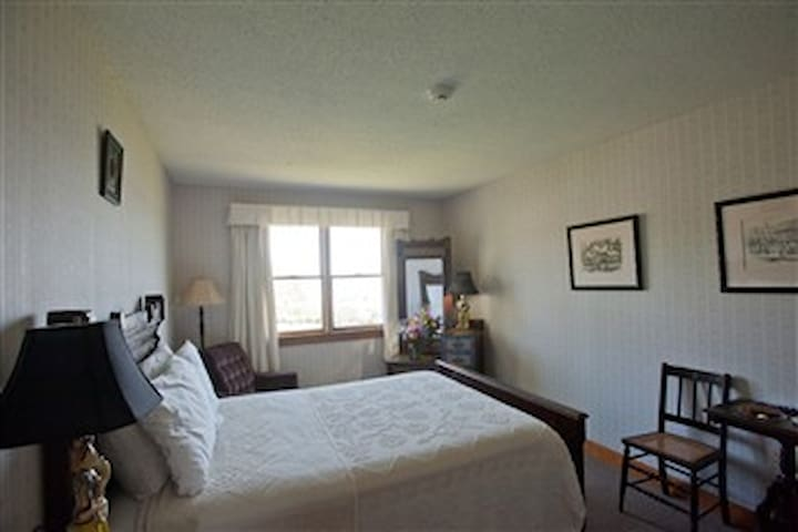 DELUXE ROOM - MEETING HOUSE - DOUBLE BED #28